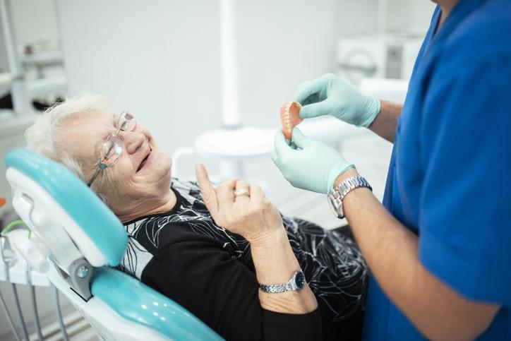 Prótesis dentales: tipos y cuidados