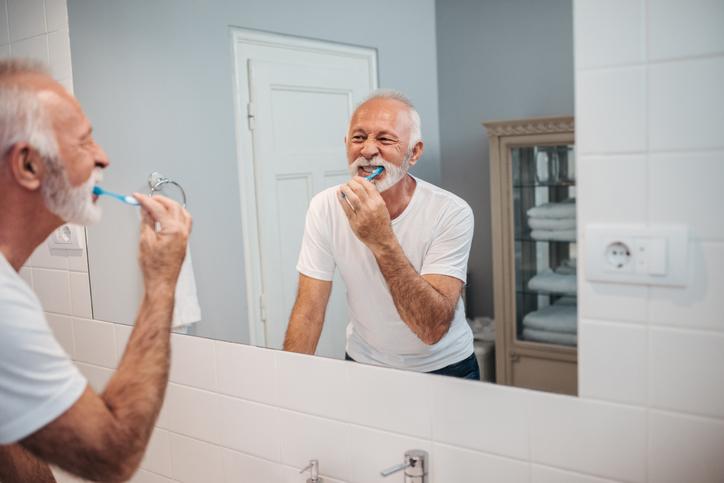Rutina para una correcta higiene dental en la persona mayor