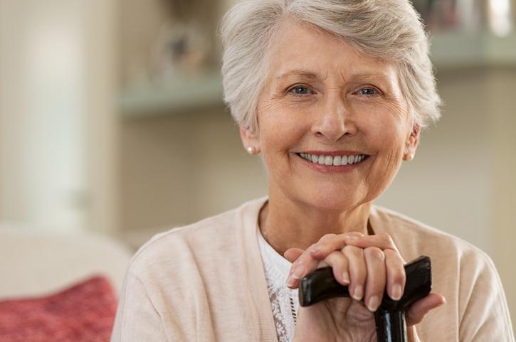 Los tratamientos de estética dental, cada vez más demandados por las personas mayores
