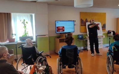 Sermade ofrece talleres de salud bucodental a residentes y trabajadores de Amavir